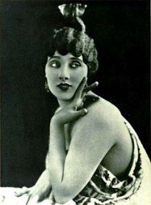 Betty_Blythe_-_Oct_1921_Photoplay