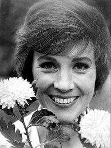 Julie_Andrews_1970