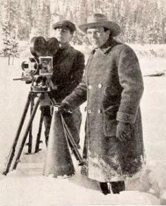 Director King Vidor and camera operator Gus Peterson during the filming of The Sky Pilot (1921)