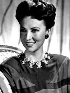 Agnes_Moorehead_-_1955