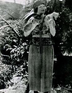 The_Son_of_Tarzan_(1920)_-_Karla_Schramm_1